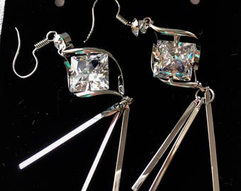 Glamorous earrings, Silver earrings, Crystal Earrings, Dangle earrings, Bridal Earrings, Drop Earrings, Gift for her, women's earring