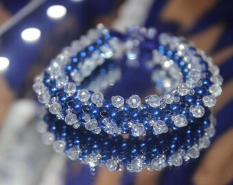 Royal blue and white crystal round-twisted bracelet