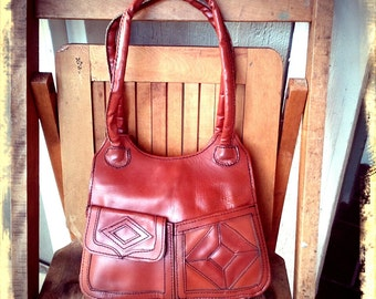 70s SHOW   ///    Rust Leather Purse