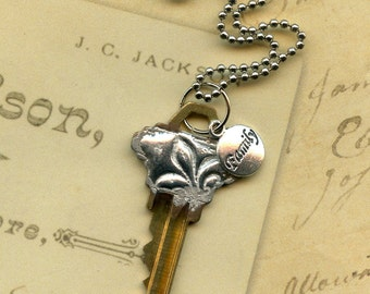 Key to Life Necklace - Family