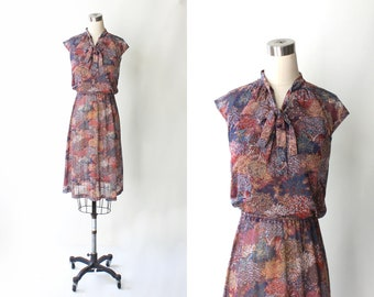 1980s Floral Necktie Dress // Vintage Cap Sleeve Leaf Print Elastic Waist 80s Day Dress // Small