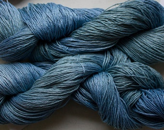 Linen 16/4, Hand painted yarn, 300 yds - Sky Tonal