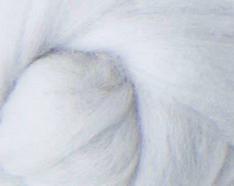 16 Micron ExtraSuperfine Merino Wool Top - Pearl - 4 ounces