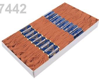 24 Docking Embroidery/stick twist #7442 Cashew
