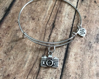 Gift for photographer, photography gift, camera charm bracelet, charm bangle, camera jewlery, gift for her, birthday gift for her