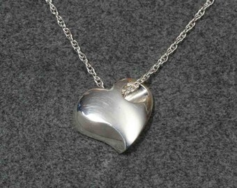 CONTEMPORARY HEART PENDANT, sterling, includes chain