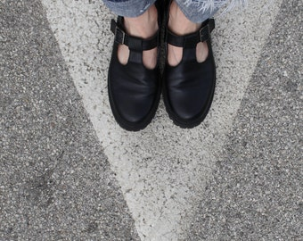 BLACK LEATHER shoes new made in Italy woman shoes leaf clothing design