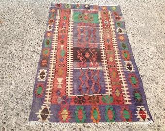"""Faded purple Vintage Turkish kilim rug, purple area rug, kilim rug, kelim, vintage rug, bohemian rug, bedroom rug, small rugl,57"""" x 33"""", 003"""