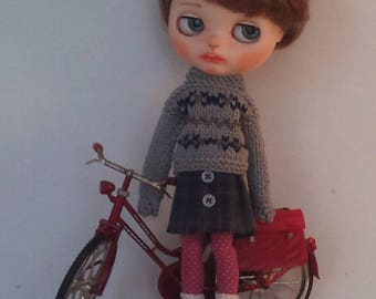 Wool sweater and  a cotton pleated skirt for Blythe or Pullip