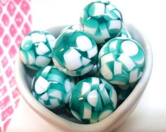 6x Massive 20mm Green and White Round Chip Resin Juicy Globe beads