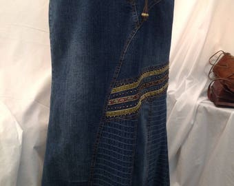 Womens denim Maxi skirt / vintage 1980s / Tulip model / embroidery and beads