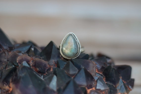 MAGIC LABRADORITE RING - Adjustable Sterling Silver Ring - Healing Crystal - Statement - Limited Edition - Glitter Ring - Gemstone - Chakra
