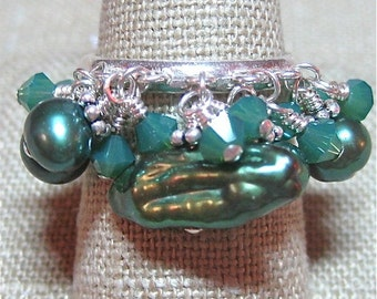 Deep Green Freshwater Pearl and Swarovski Crystal Dangle Ring - R009