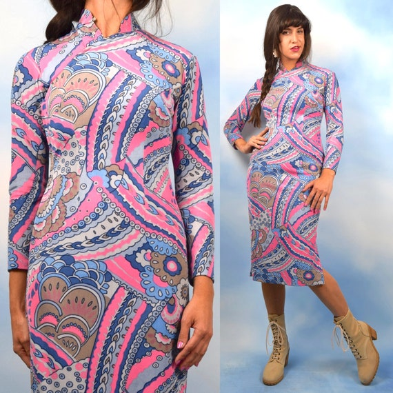 Vintage 60s Psychedelic Long Sleeved Mandarin Collar Wiggle Dress (size small, medium)