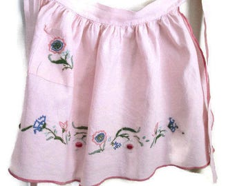 Vintage Pink Apron Hand Embroidered Flowers - 1950s