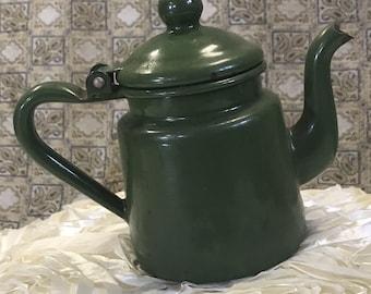 Théière Vintage, vintage bouilloire, au milieu du siècle petit petit métal émaillé vert théière bouilloire thé bouilloire cuisine décoration cuisine de campagne