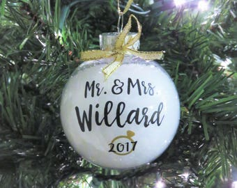 Mr. & Mrs. Personalized Ornament. Just Married. Newlywed Ornament. First year married ornament. First Christmas Ornament. Wedding Ornament.