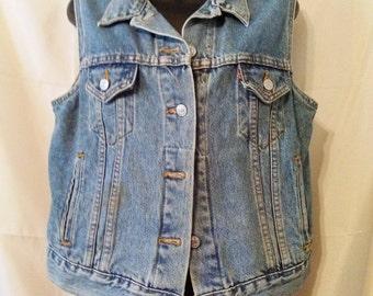 Cool Vintage Levis-Sleeveless Jean Vest Jacket-Southwestern-Country Western-Hipster-Hip Hop-Rocker-Large