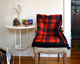 Buffalo Plaid Wool Blanket Large Size Thick Warm Black & Red w/ Crocheted Edge