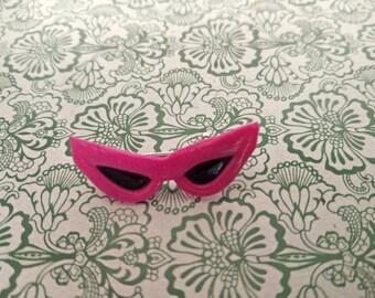 Pins fucsia sunglasses