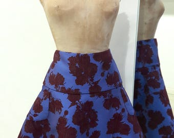 Round skirt with high basque