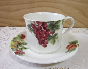 Royal Doulton England Everyday Vintage Grape Fine China Cup and Saucer Set