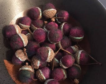 20 Wet felted acorns - Sparkle