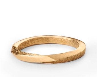 Textured Ring Gold, Wedding Ring Men Women, 2mm Mobius Wedding Ring, Twisted Wedding Band Ring, Infinity Band, Thin Band 14K, Gold Band 18K