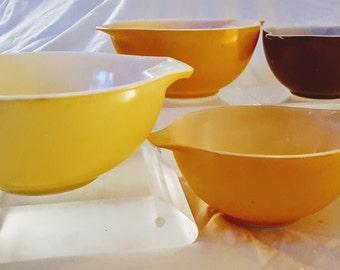 Lot of Four (4) Vintage Pyrex Cinderella Mixing Bowls - 441, 442 & 443