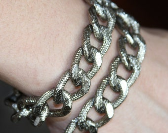 5 ft of Aluminum Chunky heavy chain Curb open link chain  21x15mm,  Antique Silver plated chain, large chunky aluminum chain