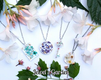 Crystallized flowers Necklace-resin-crystal bloom-dried flower