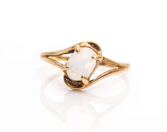 Retro 1950s Australian Opal Gold Vintage Ring, VJ #60A