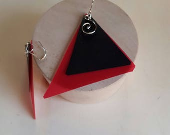 Geometric earrings red triangle LeBoncine by Alessandrabonci