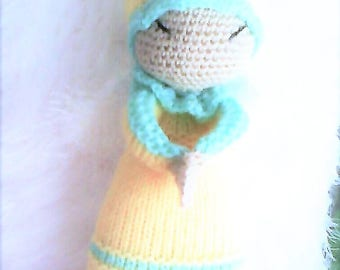 Green and yellow wool Angel