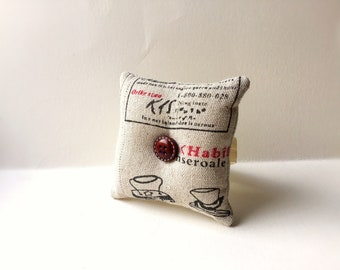 Handmade  Square Wrist Pin Cushion