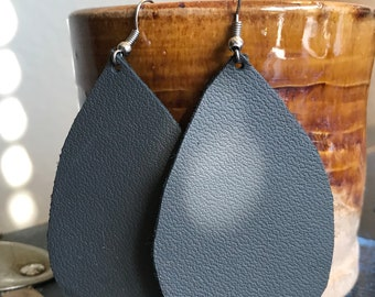 Leather earring Smooth slate gray
