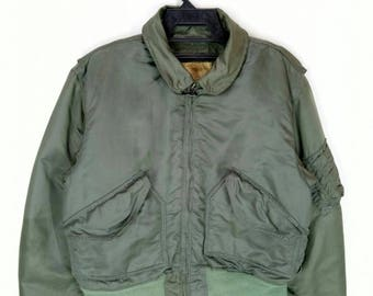 Rare!!  Vintage FLIGHT JACKET cold weather type cwu-55/PU green army colour large size