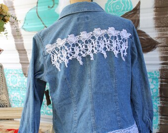 XL Denim Jacket with Lace / Size Petite Extra Large Ladies Jacket / Denim and Lace / Petite XL / Women's Jacket / Shabby Chic / Rustic FF23