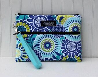 Sassari Kindle / iPad Mini /  Nook / eReader / Padded Pouch / Wristlet / Bag