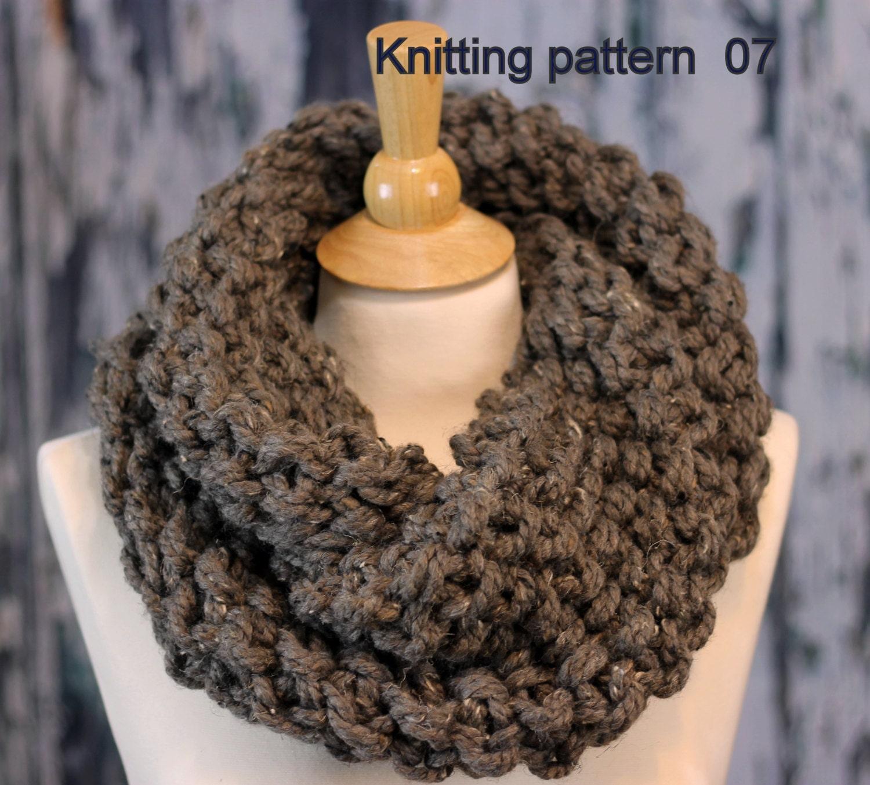 KNITTING PATTERN Beginner / Hand Knit Outlander Inspired