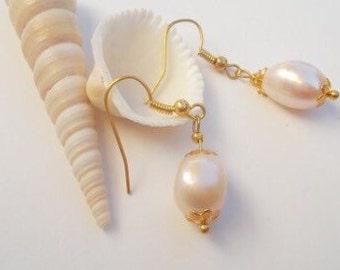 Pretty in Pink Pearls Earrings.