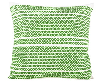 Deco Dots 20in Pillow in Kelly Green