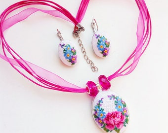 Micro embroidery set pink rose flowers of Necklace and Earrings,Hand Embroidery,Gift for women, embroidered  jewelry