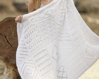 Knitted blanket with cut-out. 50% cotton and Microfiber. Made by hand