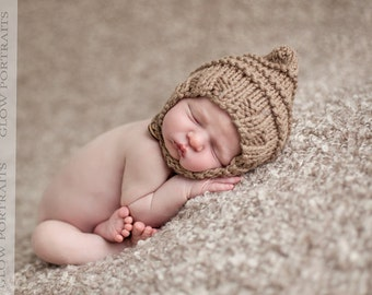 Pixie bonnet baby hat chin strap button hand knit beige neutral caramel light brown tan newborn boy girl unigender photography photo prop