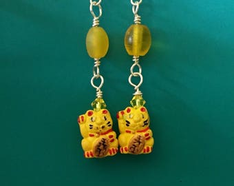 Yellow Beckoning Cat Earrings