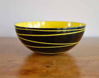 Black Yellow Cathrineholm Saturn Enamelware Bowl, Catherineholm 1958 Rings, Grete Prytz Kittelsen 6 Inch Scandinavian, Mid Century Modern