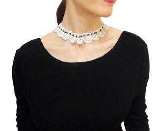 White lace victorian choker, wedding bridal necklace, neck choker, Bridal necklace, FREE SHIPPING, Vintage stlye Crochet Pendant, Minimal
