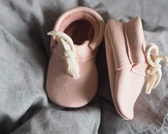 Henry Moccasins Rosa, baby shoes, Moccasins, Moccs, crawling shoes, leather slippers