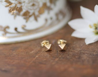 Nova Gold Pyramid Earrings